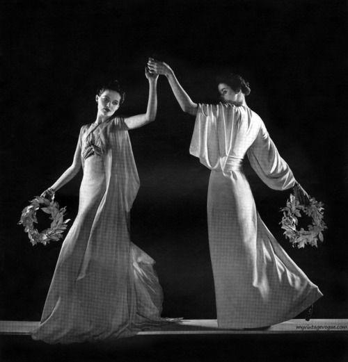 Vogue UK June 1937 - Photo by Edward Steichen  Conde Nast Archive