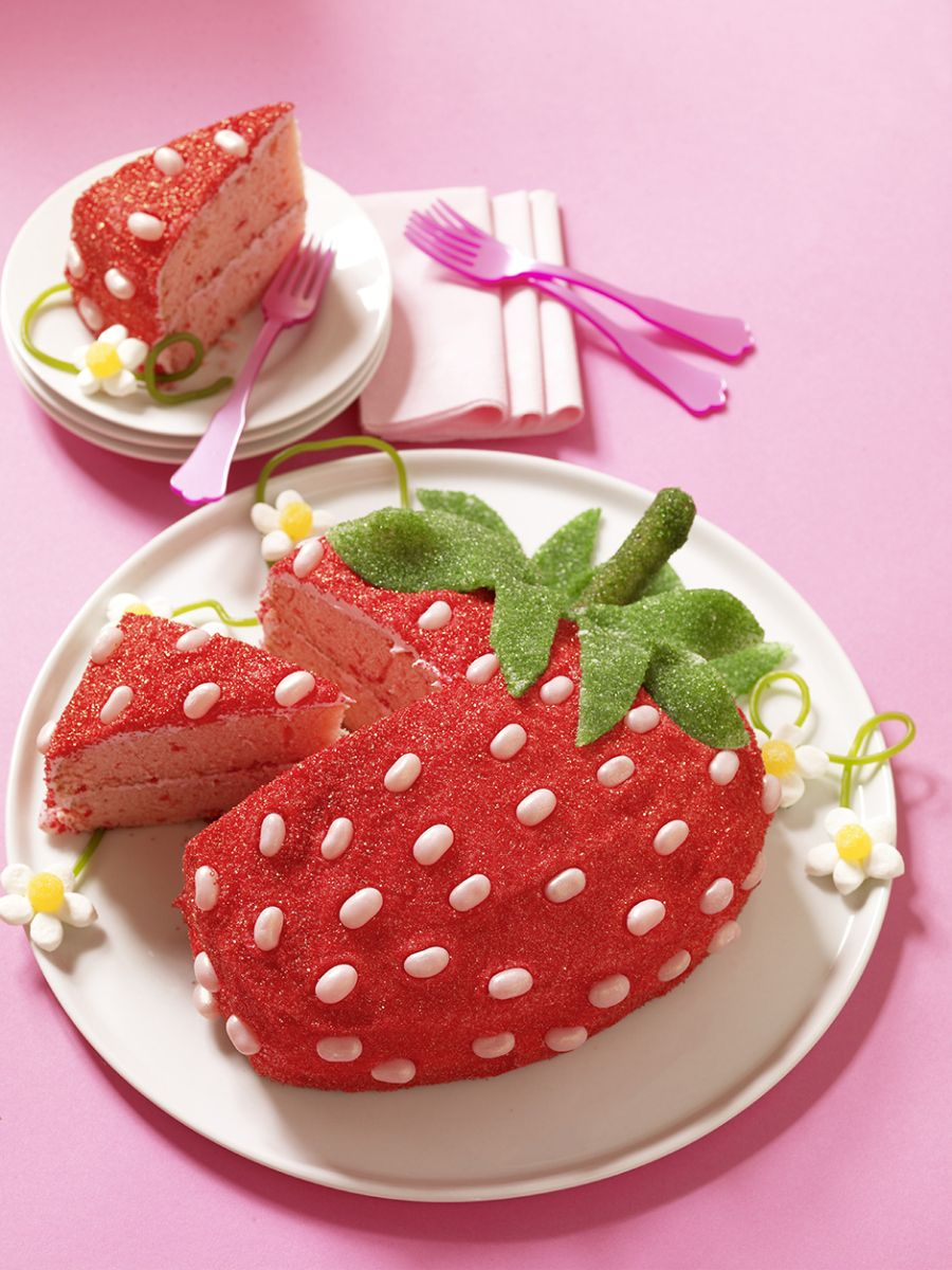 A Strawberry Cake that looks like a strawberry ...