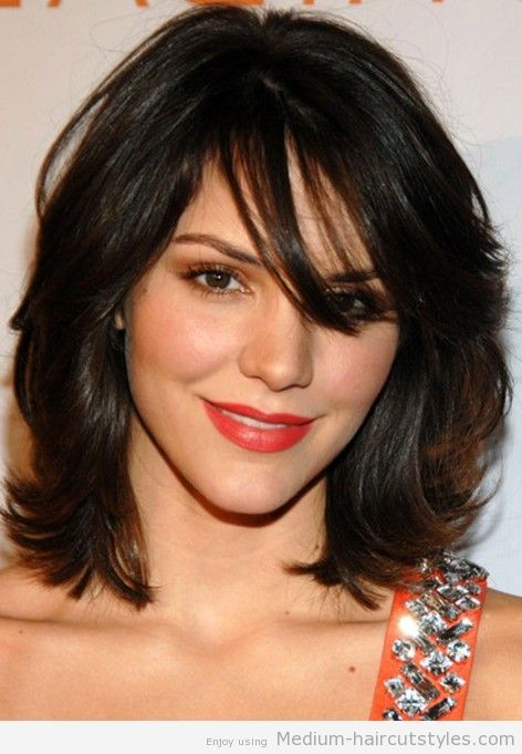 Medium Layered Hairstyles With A Fringe