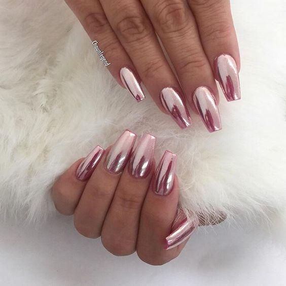 Diseños que te convencerán de pintarte las uñas de \'Rose Gold ...