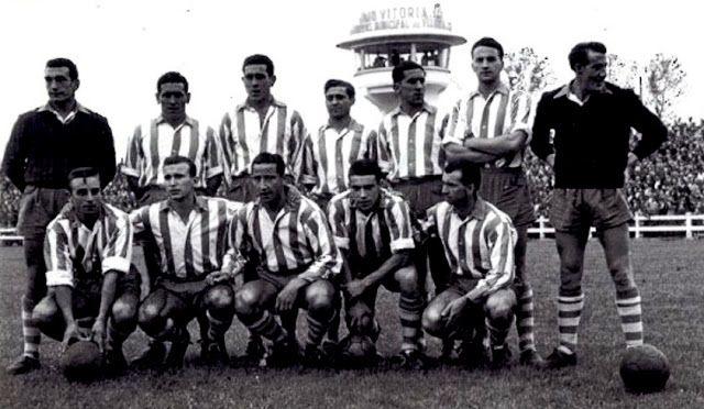 Equipos de fútbol: ALAVÉS contra Real Valladolid 03/10/1954