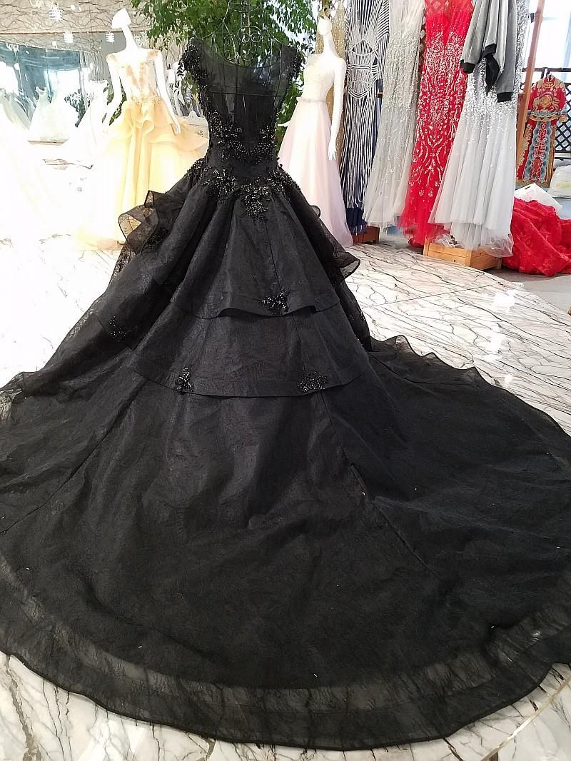 Discountnew Arrival Luxury Ball Gown Black Wedding Dresses 2020 Gothic Court Vintage Non White Bridal Gowns Pricness Long Train Beaded Cap Sleeves From Totallym Ball Gown Wedding Dress Gothic Wedding Dress [ 1066 x 800 Pixel ]