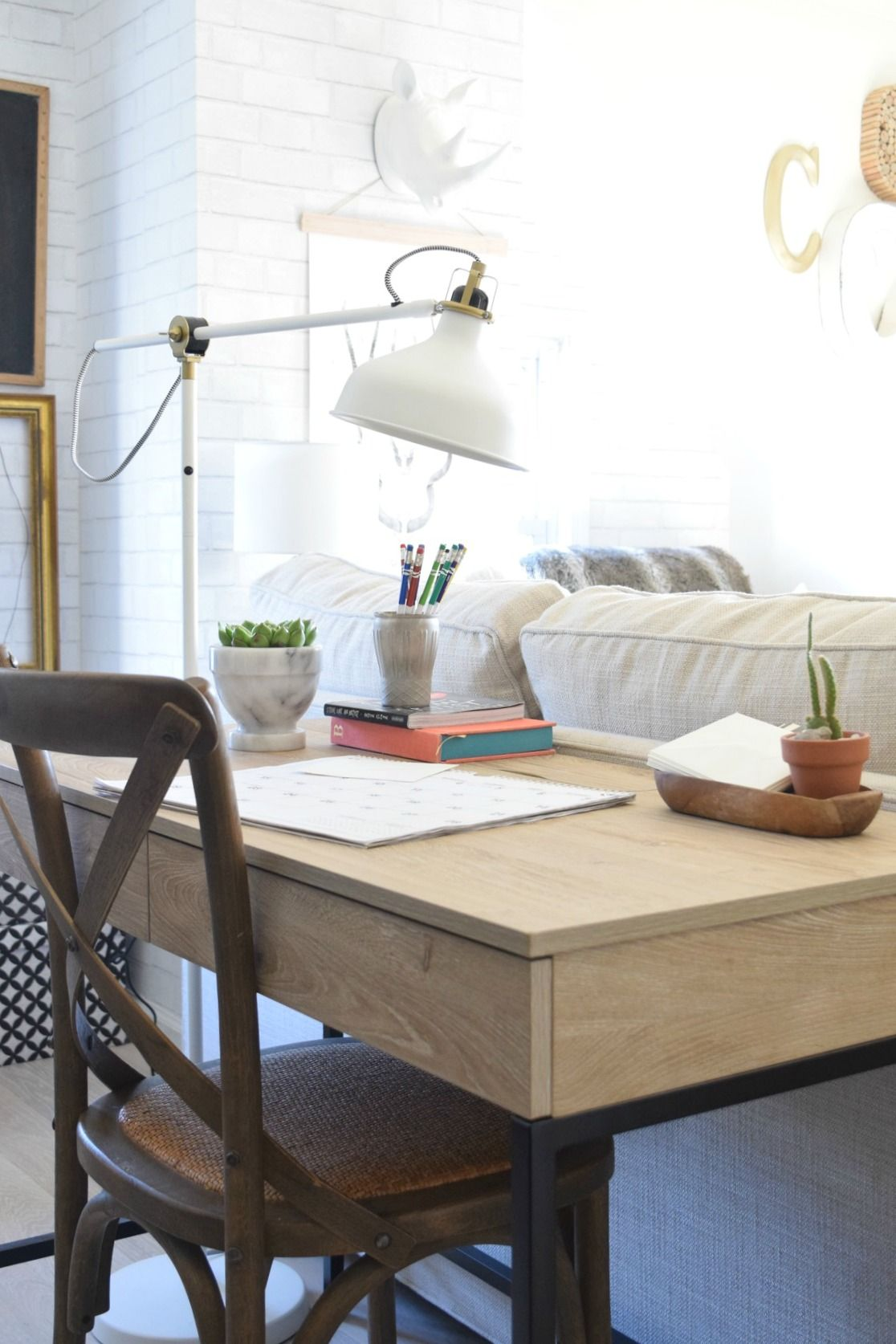 Small Living Room Office Ideas: Writing Desk For Small Spaces