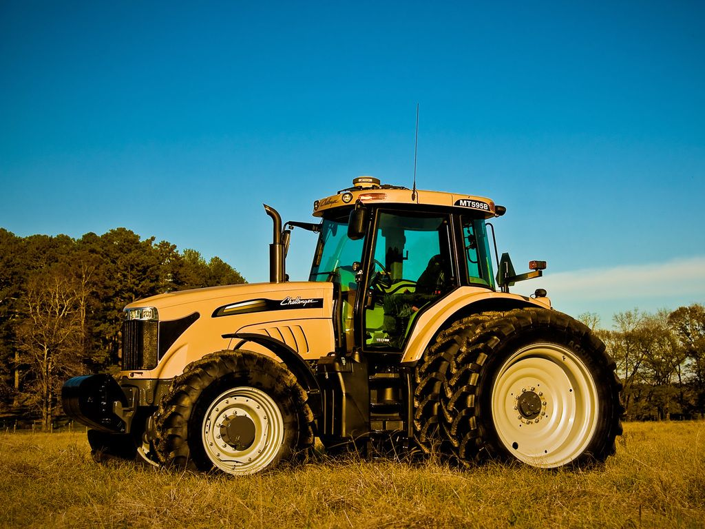 HOLT AgriBusiness Sikeston offers agricultural equipment