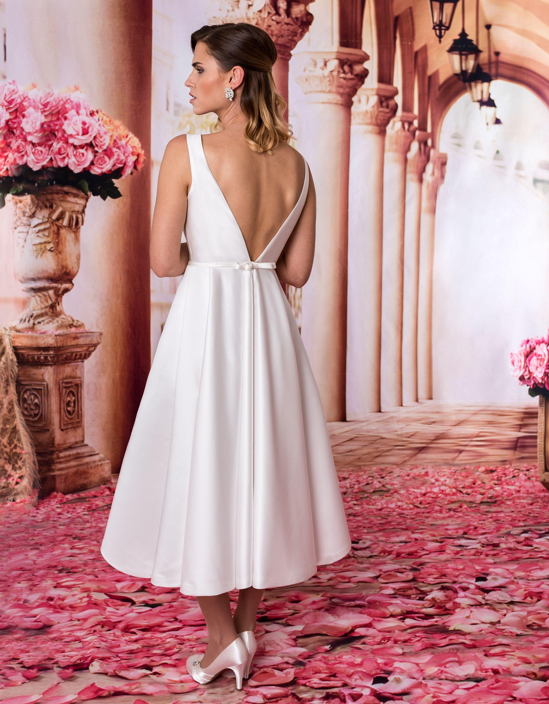 Brautkleid Alicia #hochzeit #brautkleid #braut #weiß #weddingdress ...