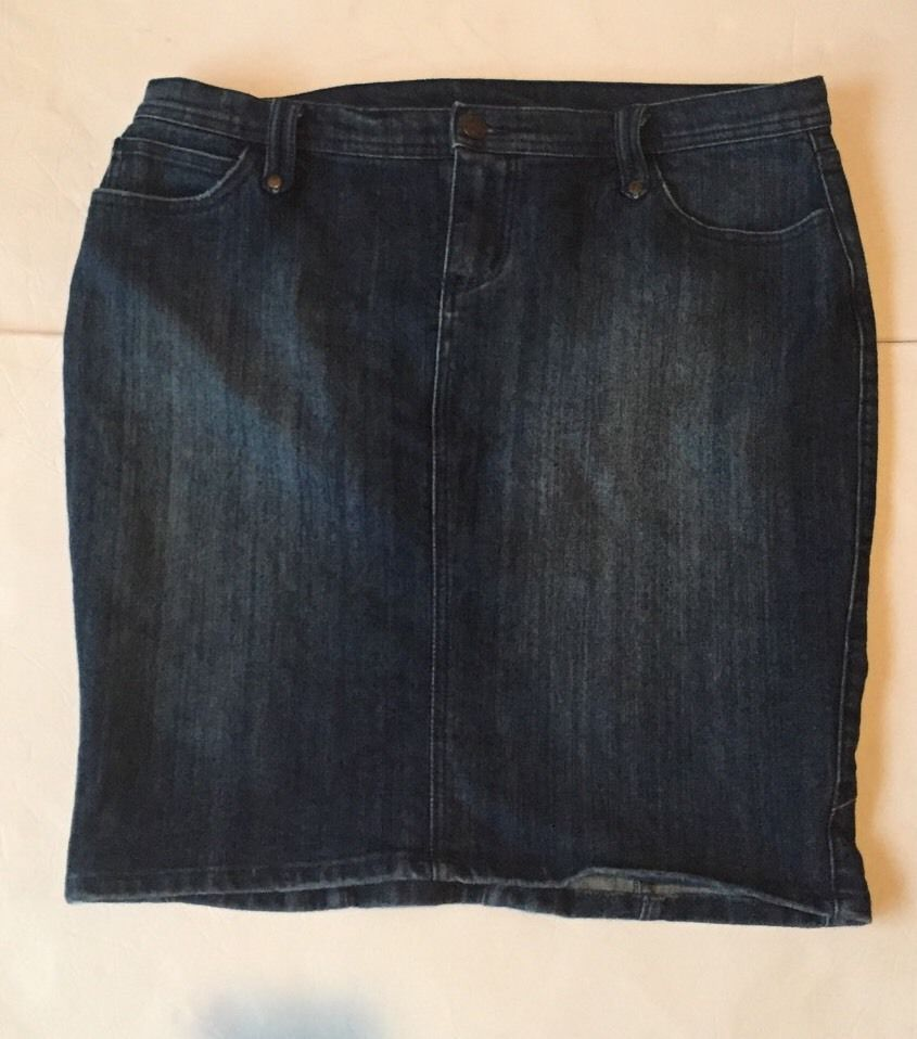 Torrid Womens 16 Plus Blue Jean Denim Stretch Casual Pencil Skirt EUC #Torrid #StraightPencil