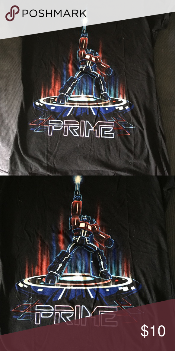 Loot Crate Tee Lootcrate t-shirt with Optimus Prime. 100% Cotton and washed twice so it shouldn't shrink anymore. Juniors large. lootcrate Tops Tees - Short Sleeve