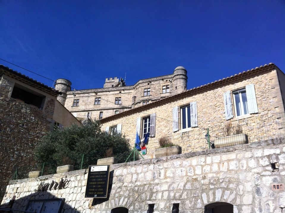 Le Barroux Explore the Provence region at your own pace http://www.detours-in-france.com/Provence-walking-tour-108-2-10.html http://www.detours-in-france.com/Provence-walking-tour-38-2-10.htm