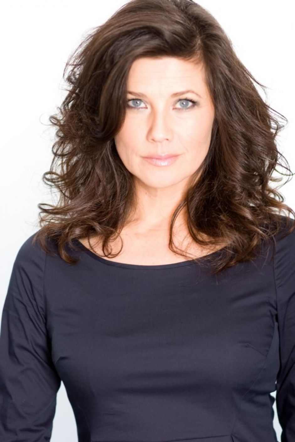 Daphne Zuniga Daphne Zuniga new photo