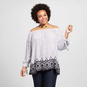 Women's Plus Size Embroidered Blouse