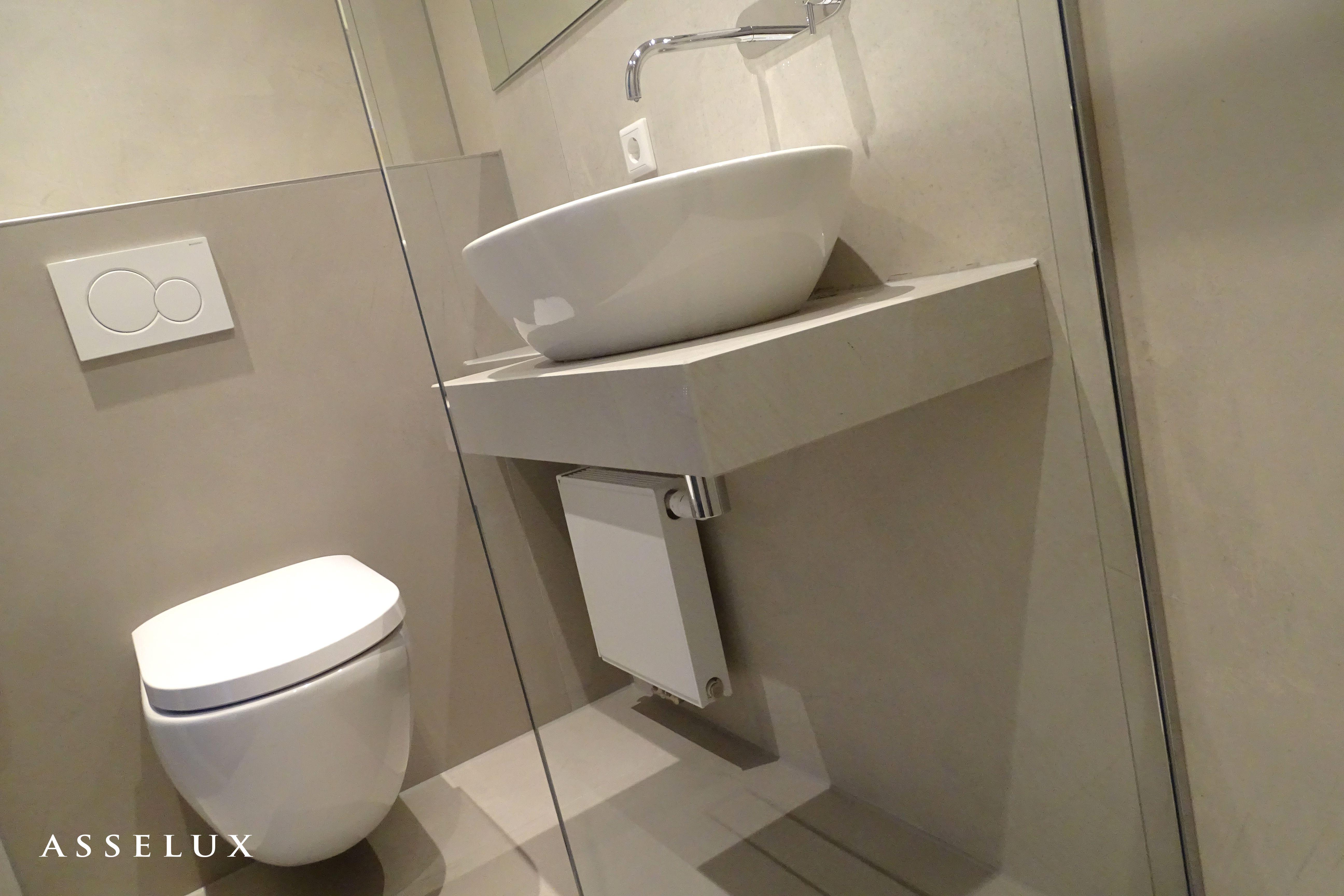 Asselux hotelproject | Badkamer met keramische vloer- en ...
