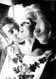 Dean Martin with Marilyn Monroe - R.I.P. -   https://youtu.be/8_cOP8y6sWs