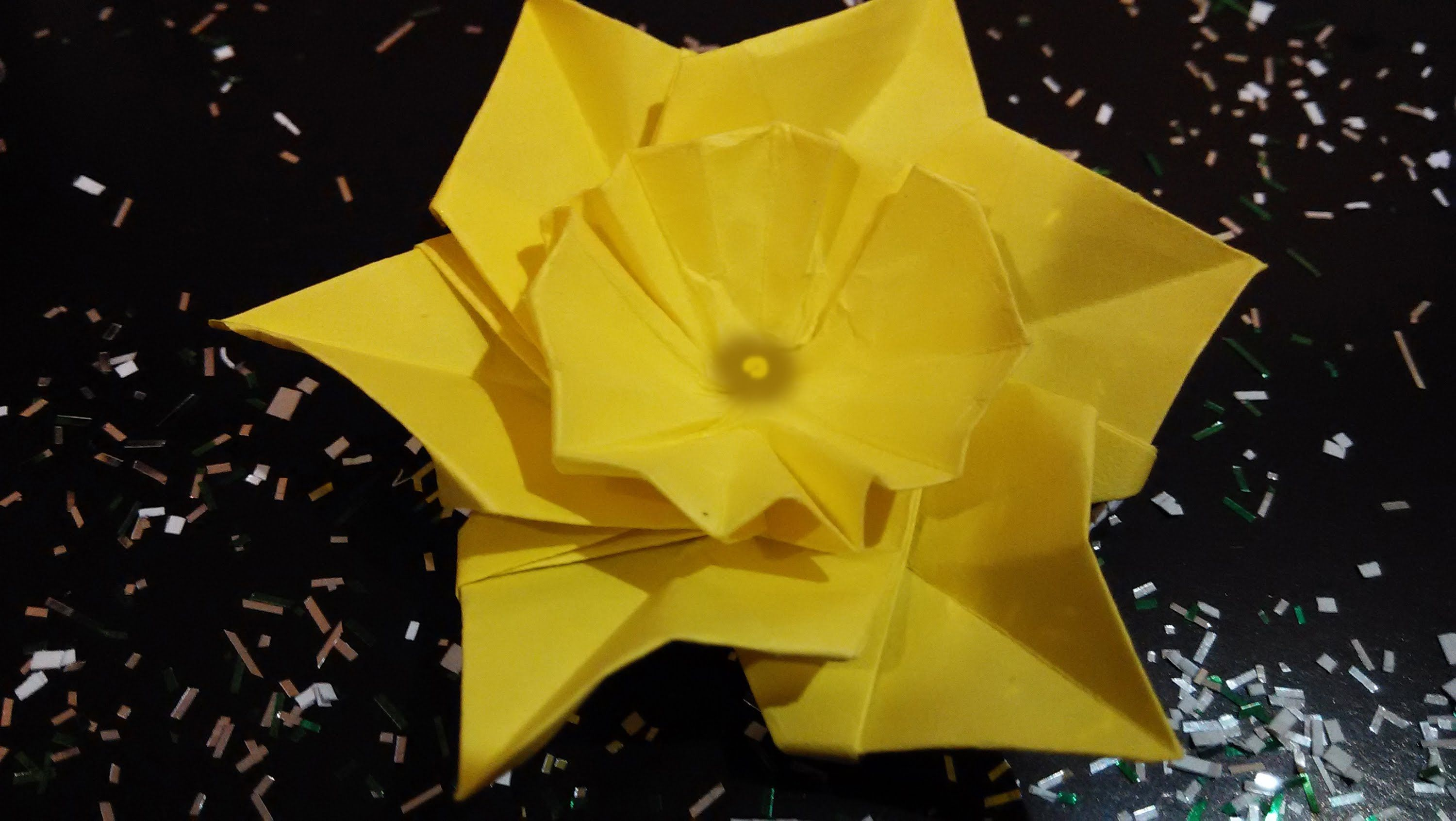 origami narcissus daffodil christmas table decoration