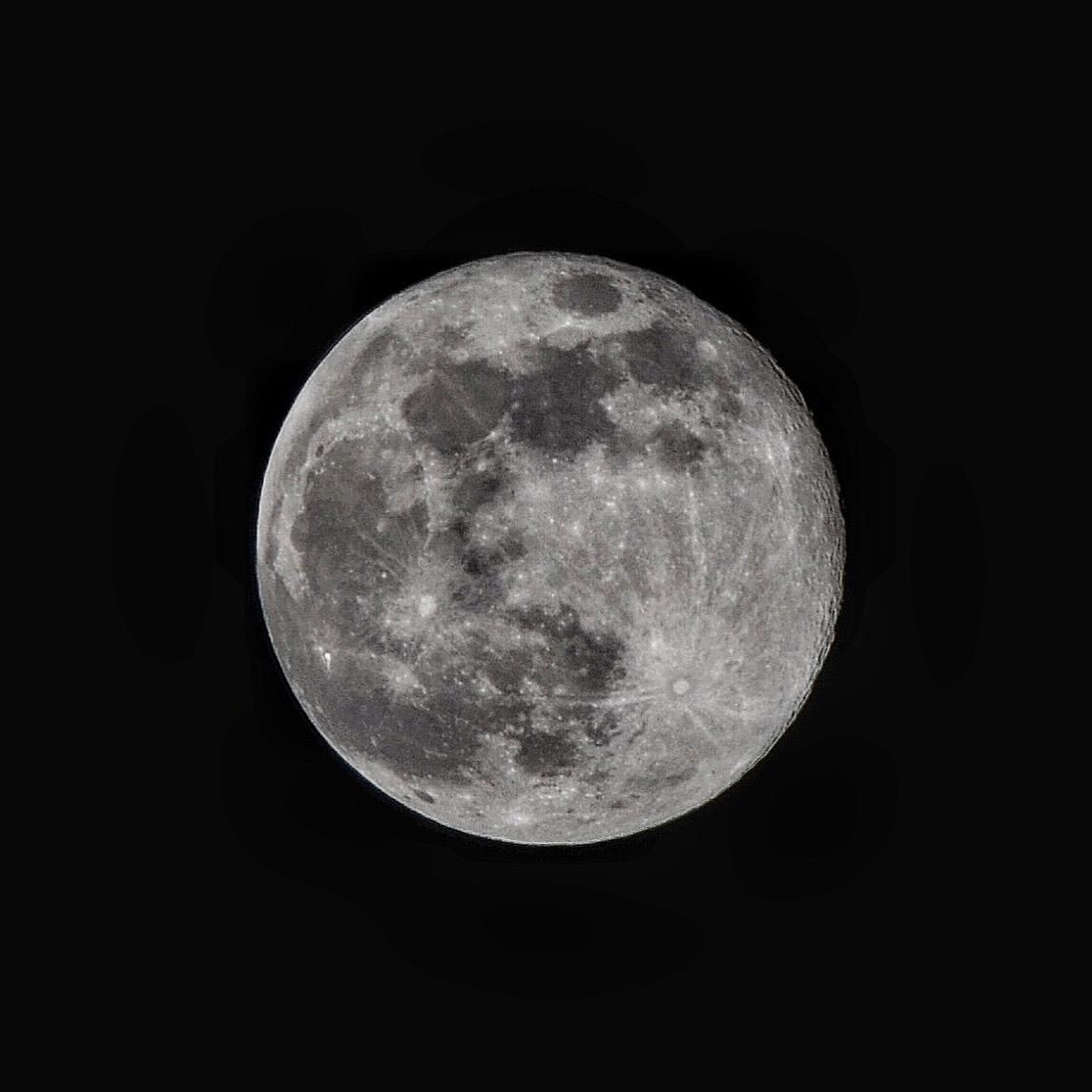 ITAP of the moon#PHOTO #CAPTURE #NATURE #INCREDIBLE
