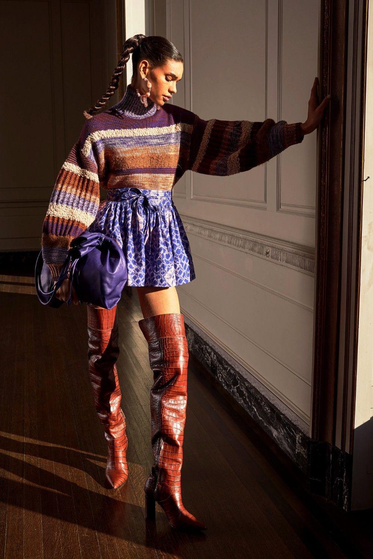 di moda preautunno 2020 di Ulla Johnson Collezione PreFall 2020 di Ulla Johnson  VogueCollezione PreFall 2020 di Ulla Johnson  Vogue La tendenza moda autunno inverno 2019...