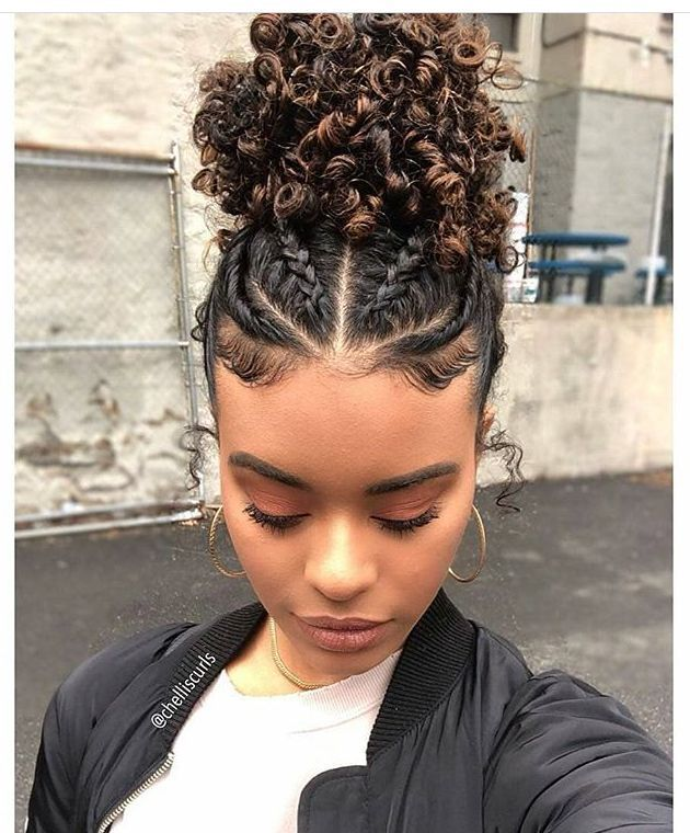 Honestly I Really Need To Learn To Braid So That I Can Do Cute Hairstyles Like This X Coiffure Coiffure Facile Coiffure Cheveux Naturels