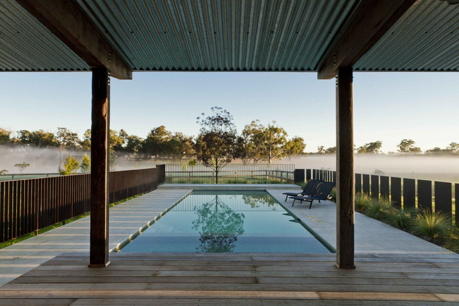 Australian Open A Romantic Landscape In The Southern Highlands Gardenista Pool Fence Farmhouse Landscaping Country Pool