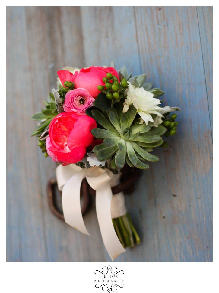 The Story Photography The Cotton Mill wedding pink bouquet