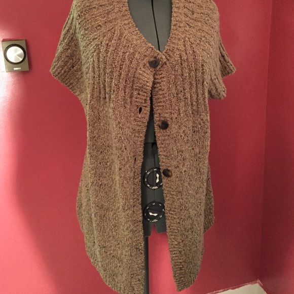 NWT Macy's short sleeve cardigan Sweater says 3x but wears smaller ...