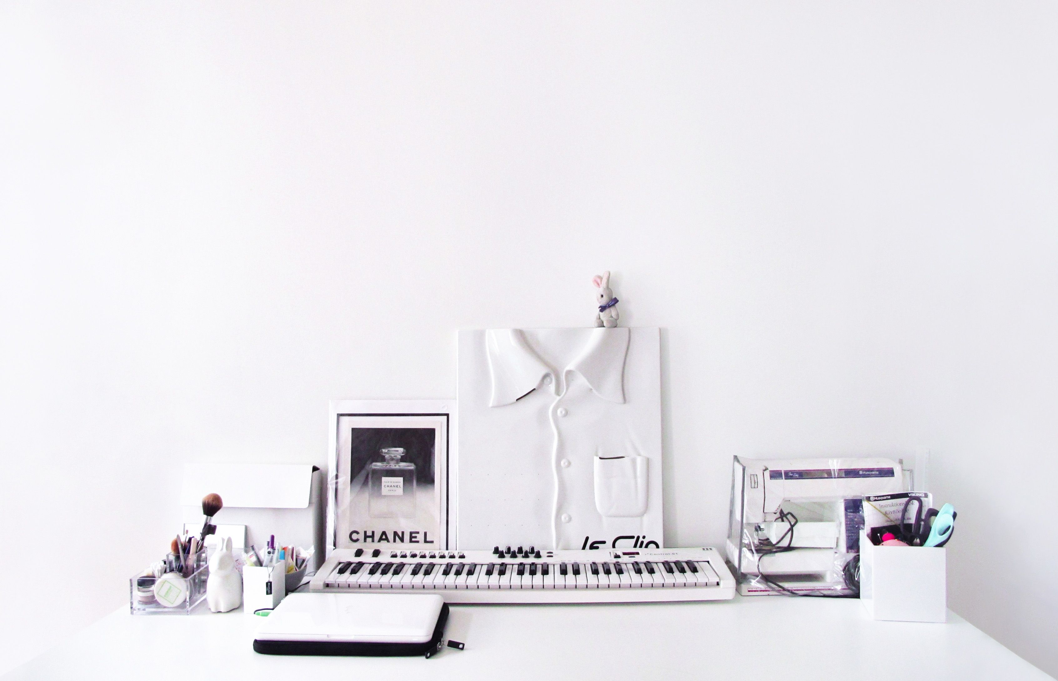 The perfect desk of my friend Viivi
