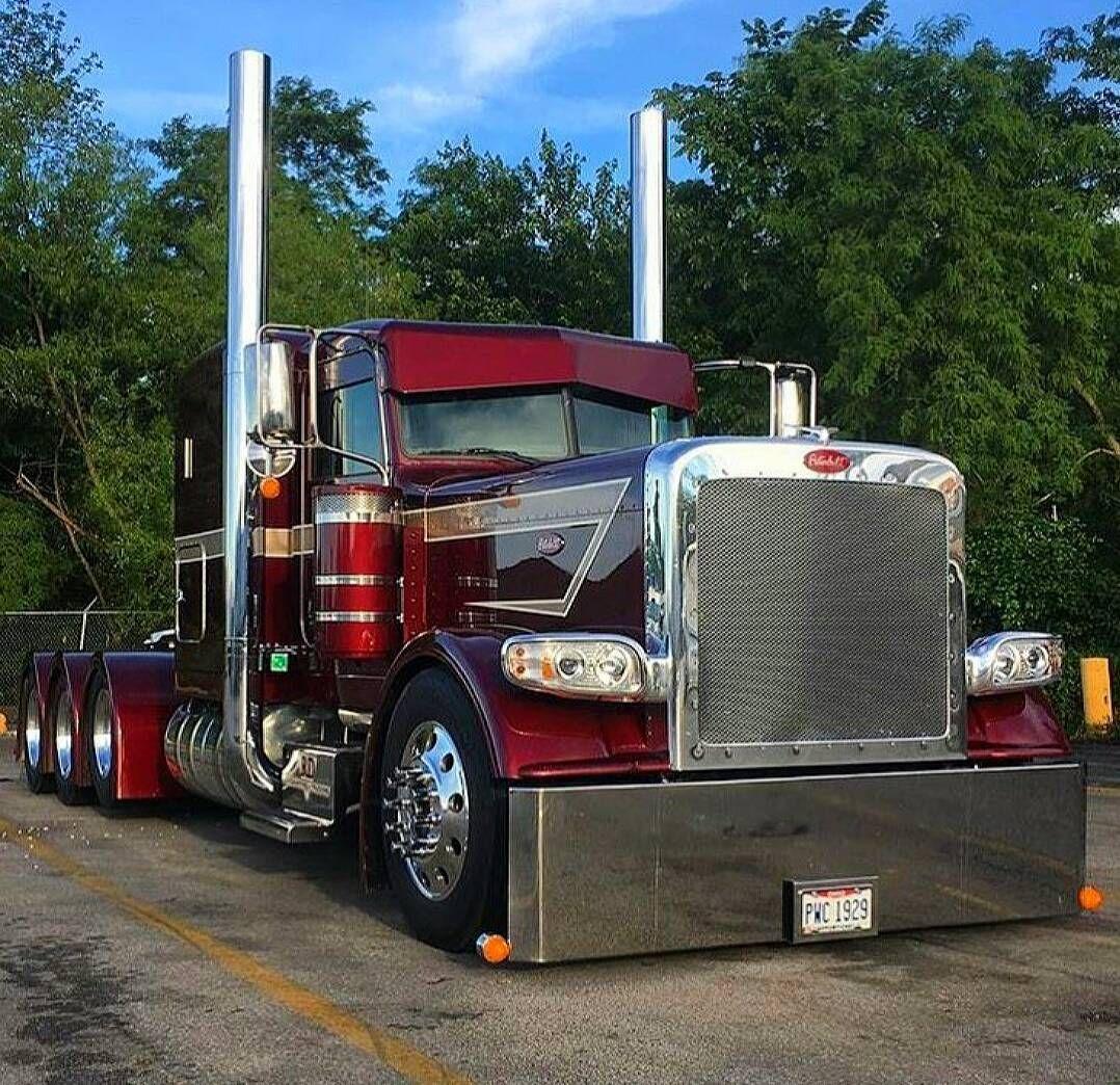 Stunning Custom Peterbilt With Images Trucks Customised