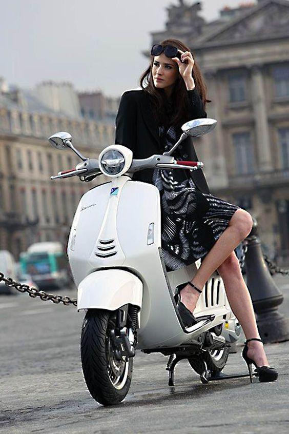 Imagem Relacionada Scooter Girl Vespa Girl Vespa Scooters