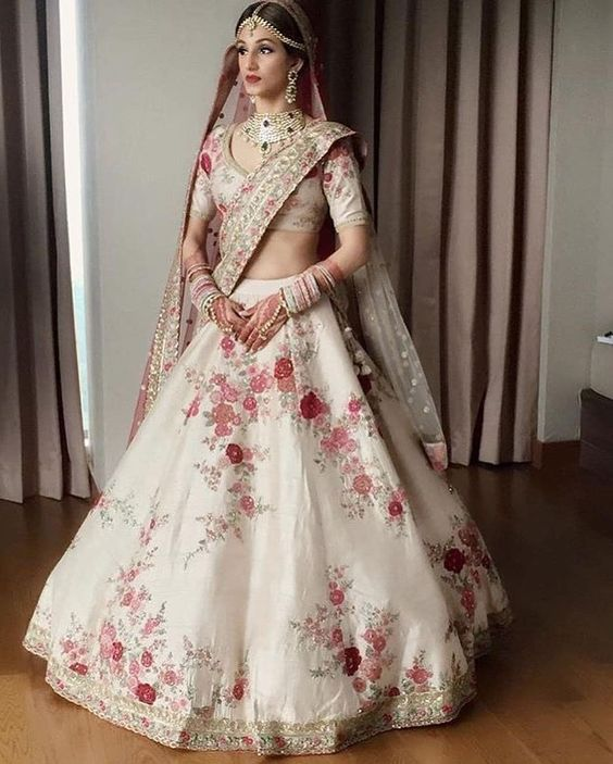Ditch The Traditional Red And Go For Some Elegant White Bridal Lehenga This Wedding Season Indian Bridal Dress Indian Bridal Wear Indian Wedding Outfits