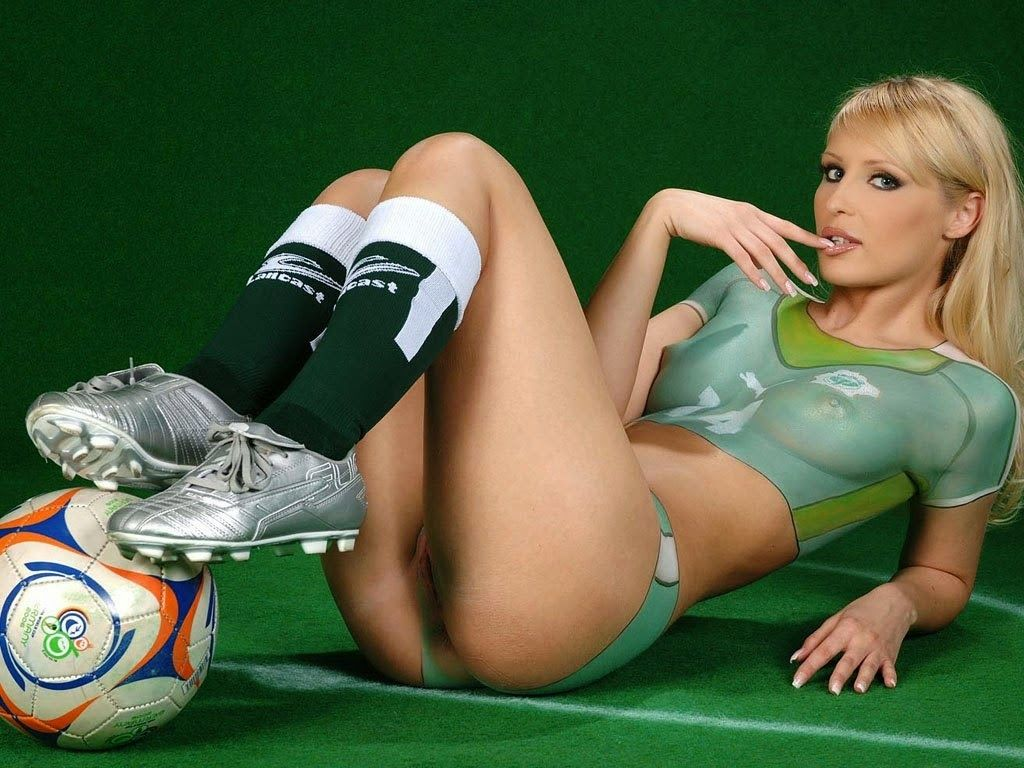 Nude college soccer girl