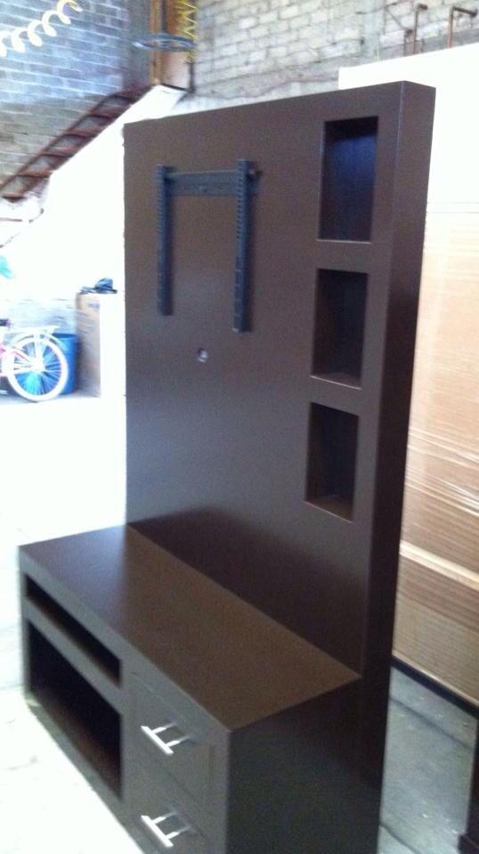 Somos fabricantes de muebles de madera, roperos, cómodas, cajoneras ...