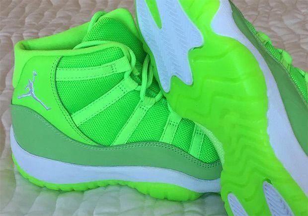 #sneakers #news USA Track Star Kori Carter Gets Neon Green Air Jordan 11 PEs