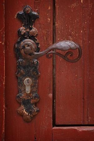 Maçaneta da porta velha por joanaabreu
