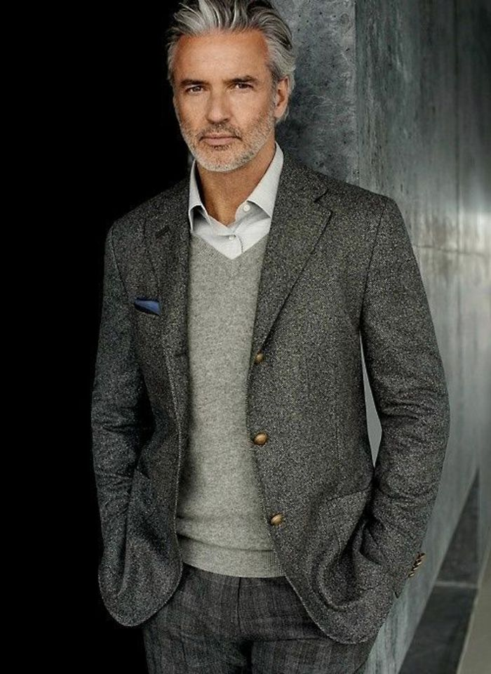 le costume gris anthracite homme en 40 photos mode pinterest costume gris homme moderne. Black Bedroom Furniture Sets. Home Design Ideas
