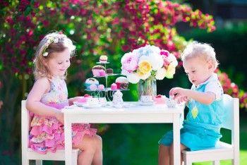 Hier könnt ihr euch kostenlos tolle Ausmalbilder für die Kinder auf eurer Hochzeit downloaden.