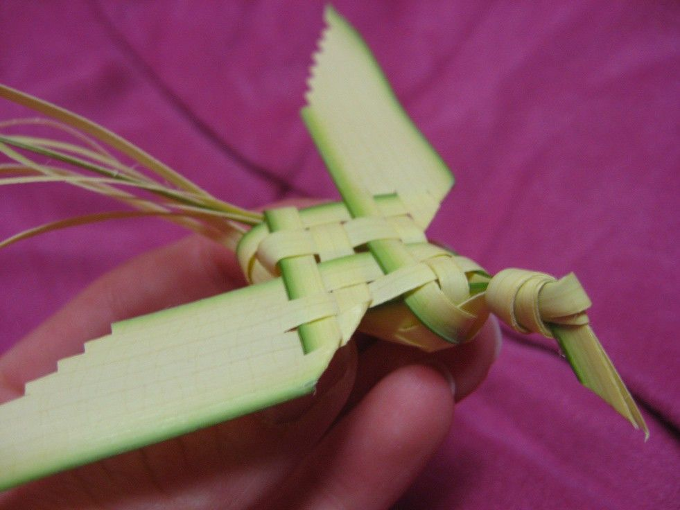 how to make a cross out of palm frond