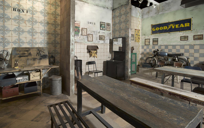 The garage espacio francisco segarra cevisama 2016 suelos francisco segarra garaje - Muebles de garaje ...