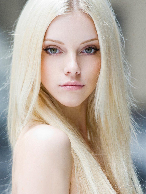 Get a platinum blonde hair color dye to look seductive idk