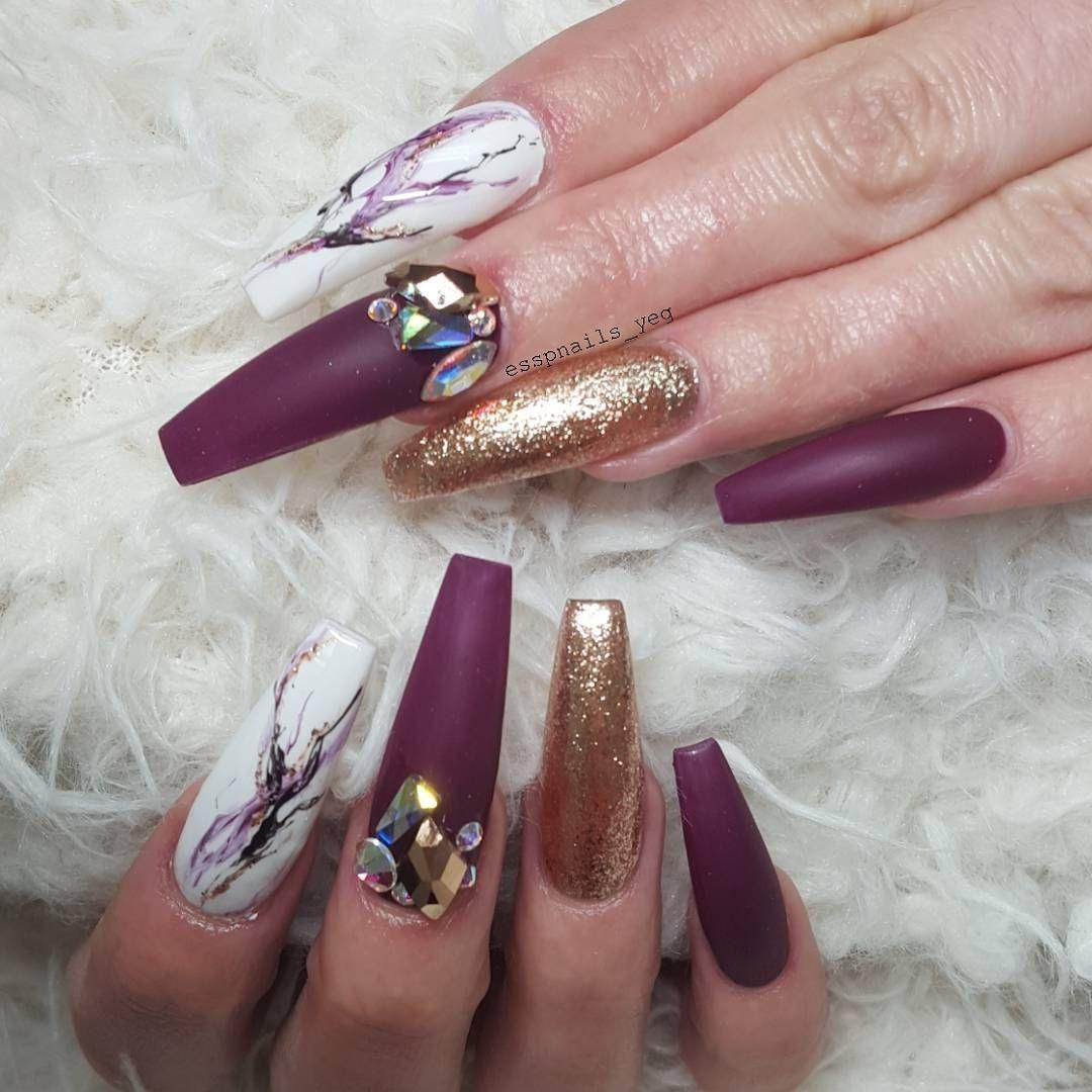 """275 Likes, 15 Comments - Sharon P @ Shangri La Nails (@esspnails_yeg) on Instagram: """"S L A Y 🔪 #yegnails #esspnails #bishimgone @bioseaweedgel 145 Violet Bloom @vetro_usa 966 Rose Leaf…"""""""