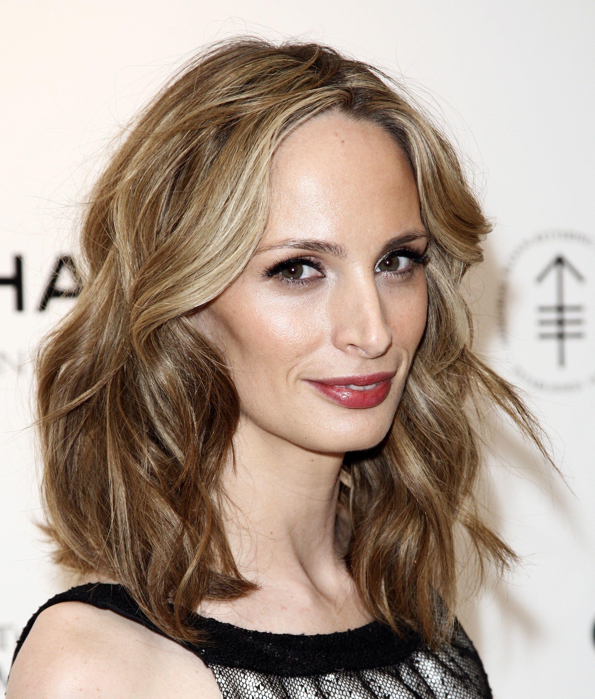 Medium Cut Hairstyles Adorable How To Nail The Mediumlength Hair Trend  Shoulder Length Hair