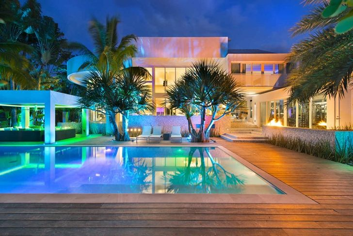 High End Luxurious Modern Mansion With Colorful Lighting Located In Miami Mansions Miami Mansion Modern Mansion