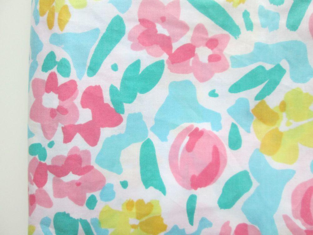 Tissu couleurs estivales (vendu au mètre) via un lundi ordinaire. Click on the image to see more!