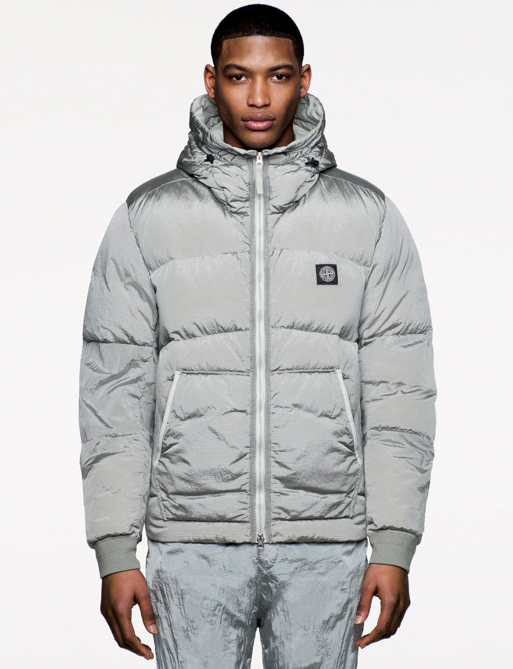 Stone Island Set Pace And Cover All Bases For A Heavy Hitting Aw19 Stone Island Mens Jackets Silver Puffer Jacket [ 1304 x 1000 Pixel ]