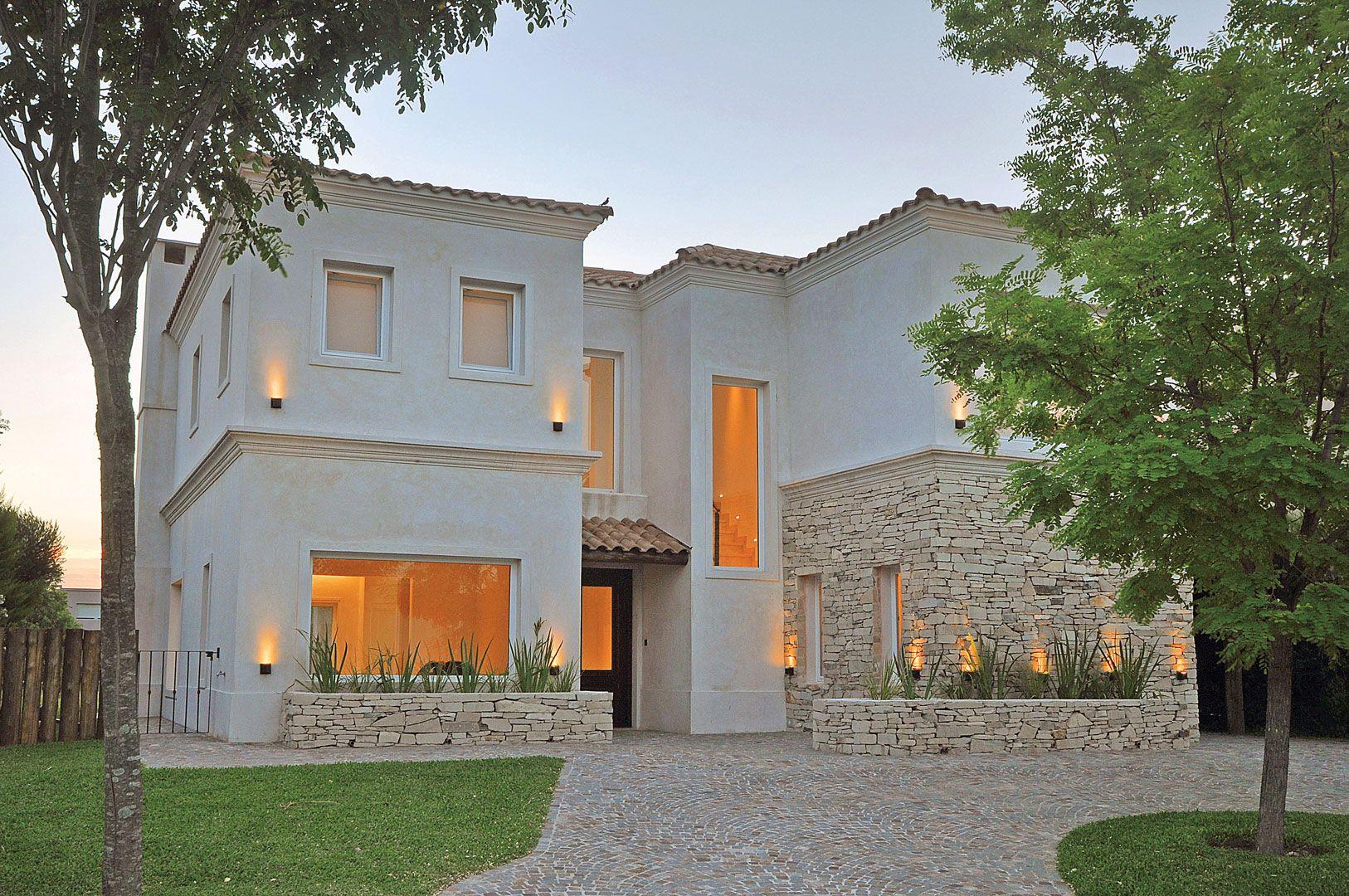Arquitecto daniel tarrio y asociados casas piedras for Fachadas de casas modernas en italia
