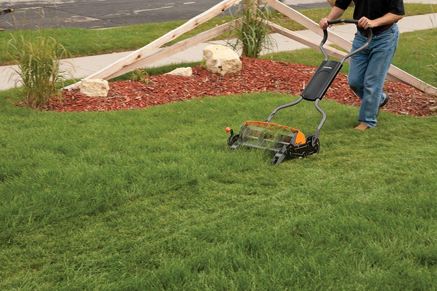 Top Five Best Lawn Mower Consumer Report For The Gardener Lawn Mower Reel Lawn Mower Best Lawn Mower