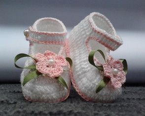 A 81 Sapatinhos de croche menina bebe