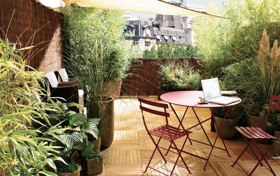 Idées déco pour un balcon ou une terrasse intime | Balcons, Dalle ...
