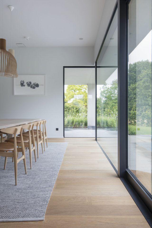 Wohnzimmerdesign mit Holzboden, #holzboden #wohnzimmerdesign - https://bingefashion.com/haus #diningroom