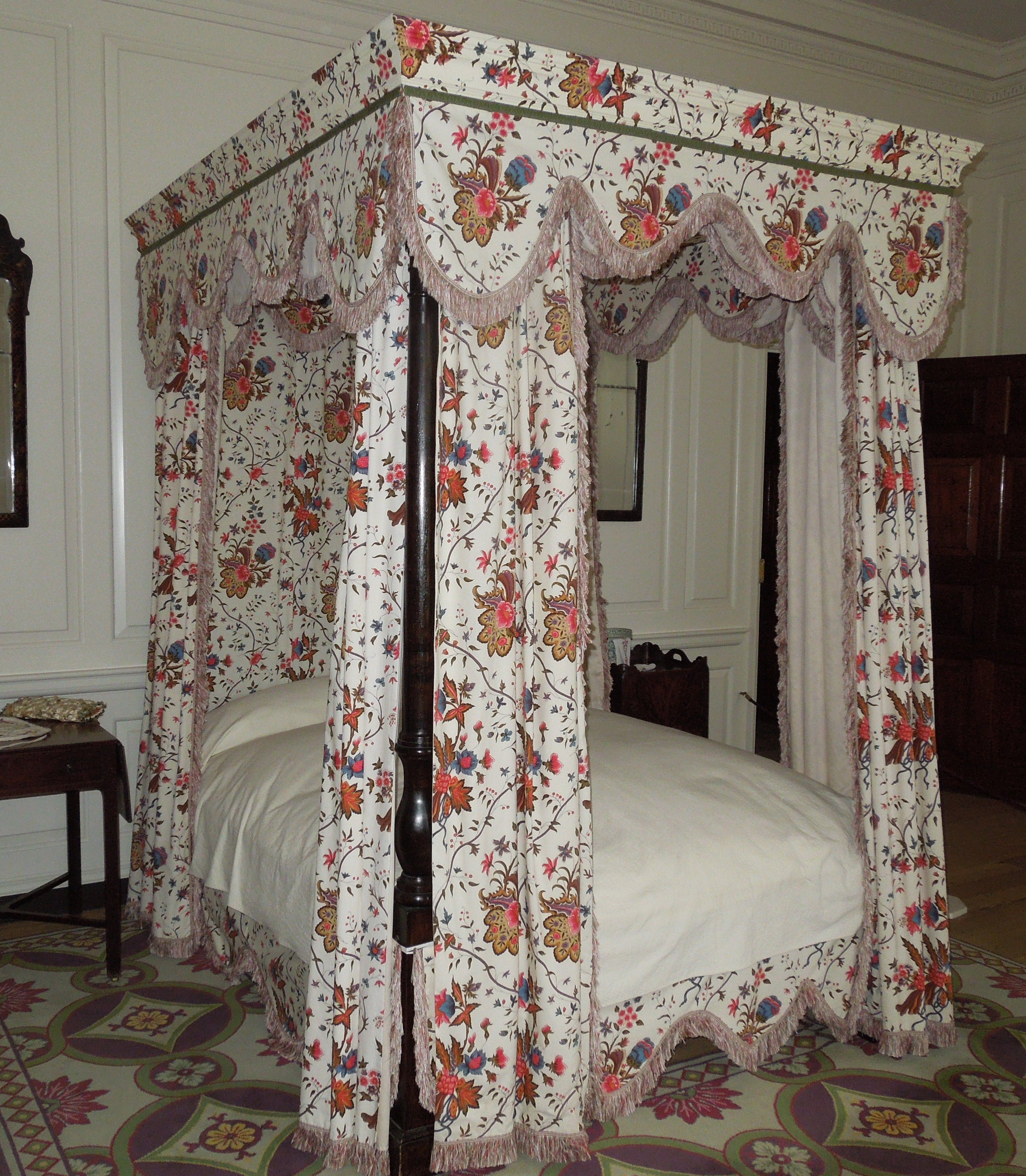 Governor S Palace Bedchamber Williamsburg Va Gorgeous Bed Bed Linens Luxury Canopy Bed Diy