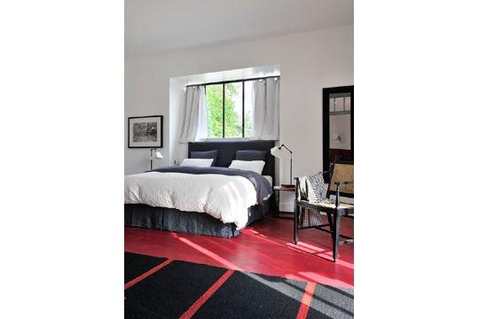 Rouge, blanc et noir pour une chambre élégante Chambre - Bedroom