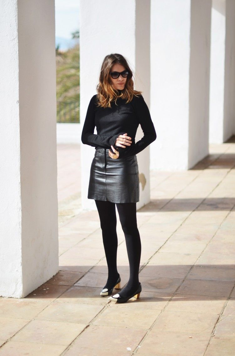 cdeadebc14 Mireia wears  . Abrigo   Flurry coat  Zara . Falda cuero   Leather skirt   vintage . Zapatos   Shoes  Chocolat D or . Anillos   Rings  Asos