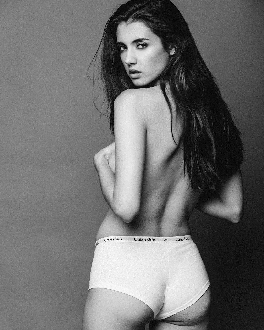 foto Sarah curr underwear
